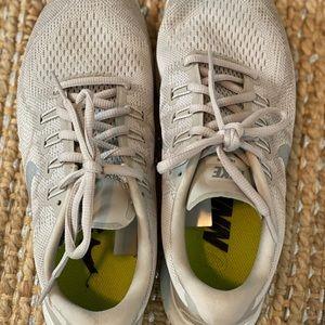 Women's Nike Frees Size 9